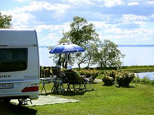 Par vid stranden camping Gone Camping